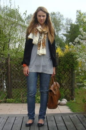 brown Mulberry accessories - black Topshop shoes - blue armani jeans