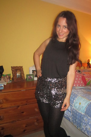 sequined Topshop shorts - silver edged H&M top