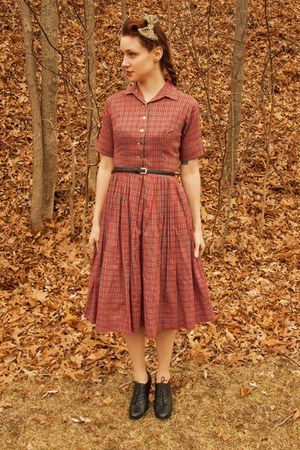 bow sunshine and carousels accessories - plaid vintage 50s dress