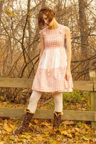 brown alloy boots - bubble gum vintage 60s dress - lilajocom accessories