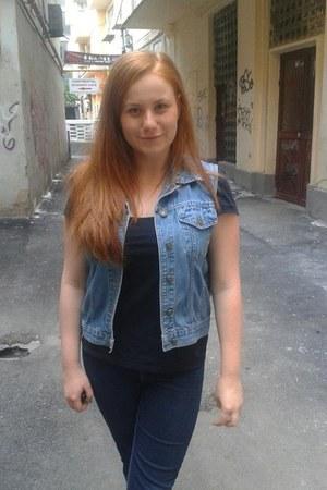 vintage vest - c&a pants - black H&M t-shirt