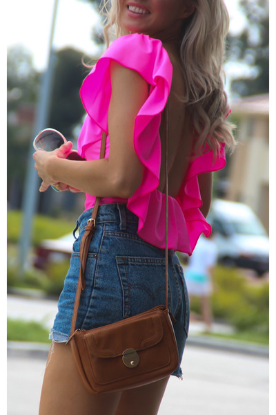 blue cut offs Levis shorts - hot pink Justyna G top