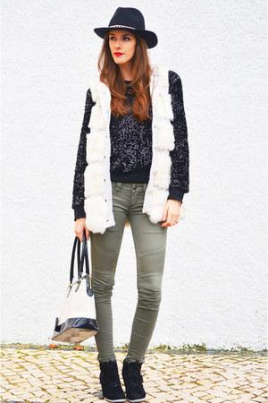 white Madeline vest - olive green Pull & Bear jeans