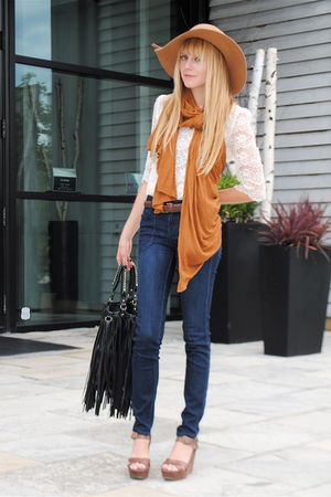 Forever 21 blouse - Nine West shoes - Forever 21 jeans - vintage hat - H&amp;M scarf