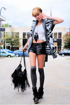 Forever 21 shorts - deena and ozzy boots - Forever 21 sweater - diy Hanes shirt