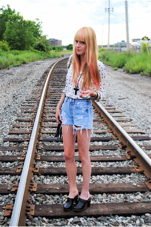 Forever 21 shoes - vintage shirt - Levis shorts