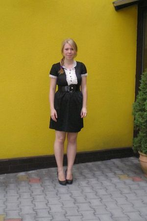 black modcloth dress - black H&M shoes
