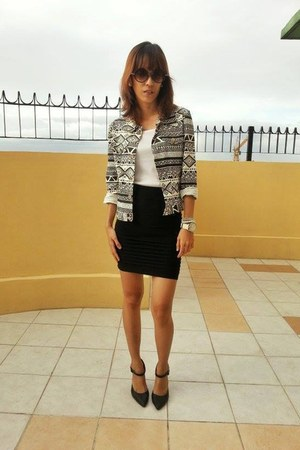 aztec blazer - bandage skirt - black pumps