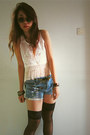 White-diy-fringe-top-light-blue-diy-jeans-black-round-sunglasses