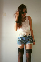 white diy fringe top - light blue diy jeans - black round sunglasses