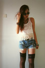 Light-blue-diy-jeans-black-round-sunglasses-white-diy-fringe-top