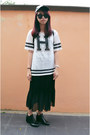 Black-boots-black-random-from-bangkok-skirt-ivory-fos-t-shirt