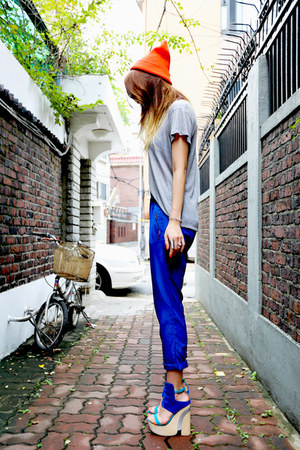 blue Zara pants - carrot orange beanie unknown hat