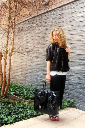 black lanvin pants - white Jenni Kayne top - black alaia purse - pink Nicolas Ki