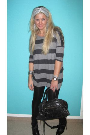 H&amp;M shirt - leggings - purse - boots