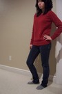 Red-gap-sweater-pacsun-jeans-gray-socks