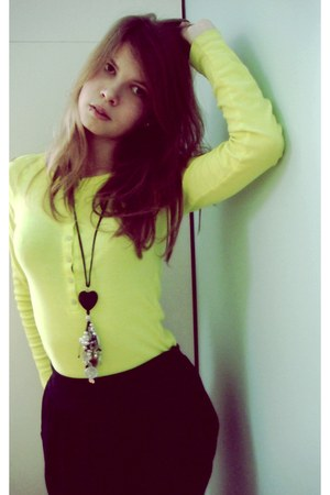 black Bershka accessories - black asos skirt - yellow effigy blouse