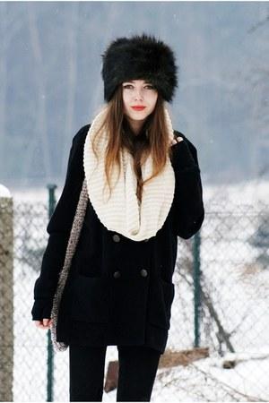 Zara leggings - Bershka scarf