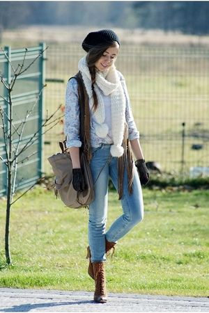 handmade gloves - Bershka pants - Solar bag - H&amp;M scarf
