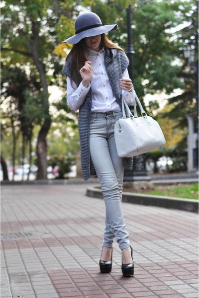 silver Oggi hat - silver Gap jeans - white Passport blouse - APANAGE cape