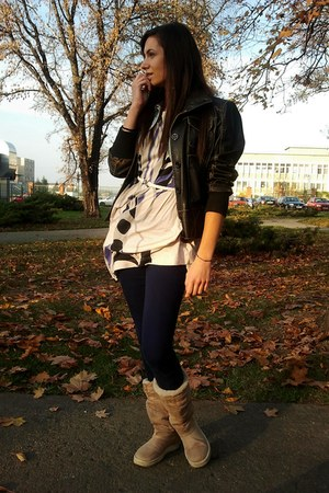 tan Ugg boots - black Only jacket - beige H&M blouse