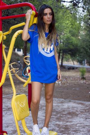 blue Luxury Legacy Co shirt