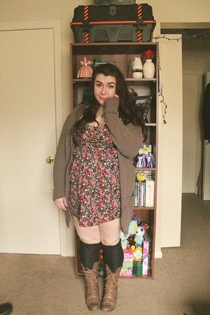 light brown lace up thrifted boots - bubble gum Secondhand dress