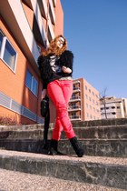 red Springfield pants - black Zara vest - black Amisu t-shirt - black Parfois bo