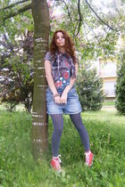 gray Zara t-shirt - blue RARE shorts - red All Stars shoes