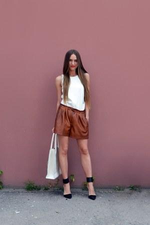 dark brown faux leather Zara shorts - cream faux leather Zara top