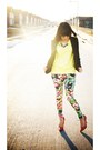 Black-floral-print-forever-21-leggings-black-round-chanel-sunglasses