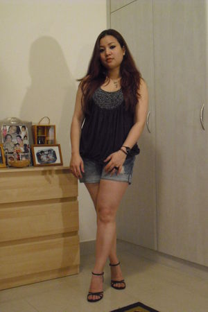 gray Forever 21 top - blue garage shorts - black Aldo shoes - black calvin klein