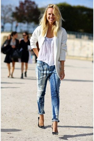 white blazer - light blue boyfriend jeans