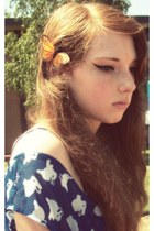 light orange butterfly clip shana logic accessories - blue Hot Topic dress
