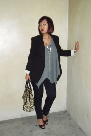 Zara blazer - flea market top - Uniqlo jeans - Charles &amp; Keith shoes - Chomel ne