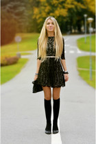 black AXPAris dress