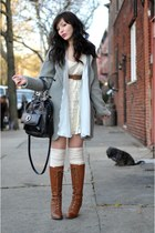 heather gray double breasted vintage sweater - brown seychelles boots