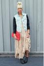 Light-blue-denim-jacket-hot-pink-anthropologie-bag