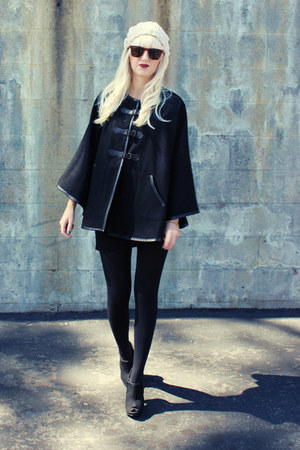 black H&amp;M cape