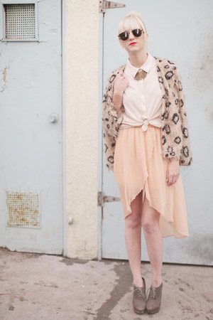 peach Urban Outfitters skirt - camel causeway mall sweater - ivory H&M shirt