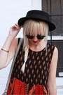 Black-vintage-hat-ruby-red-minkpink-dress-silver-h-m-bag
