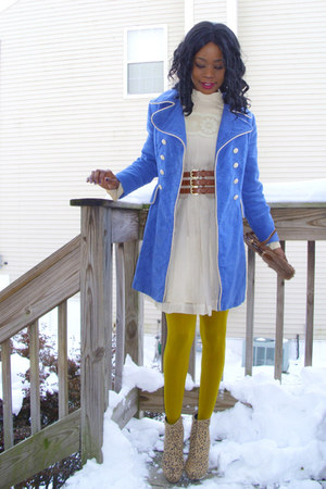 vintage dress - f21 stockings - vintage coat - f21 boots - vintage bag - H&M bel