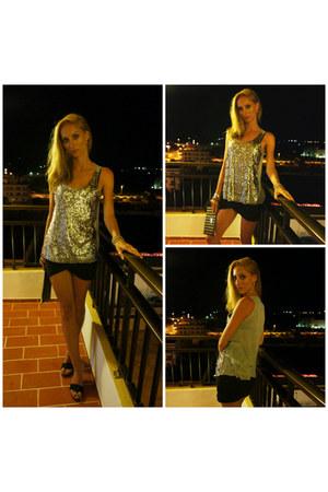 gray Zara skirt - gray UCB top