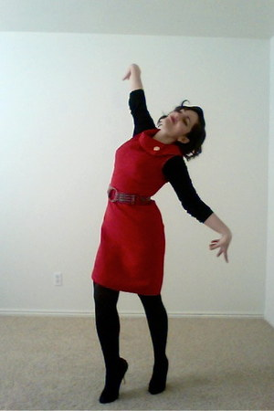 red liz claiborne dress - black black tights - black bella bird t-shirt