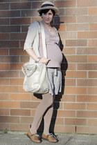 camel vintage shoes - eggshell vintage hat - periwinkle RW&CO shirt - camel Gap