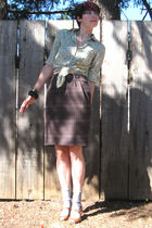 green Gap shirt - brown Cleo skirt - gray winners skirt - beige naturalizer shoe