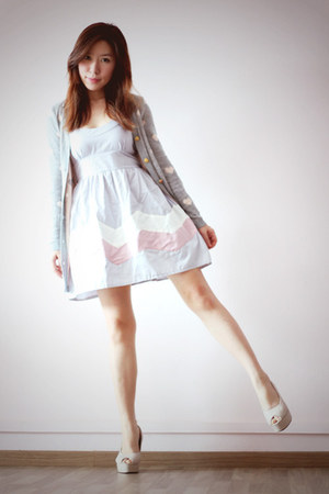 periwinkle Kindofwonderfulsg dress - heather gray knit hearts somewhere cardigan