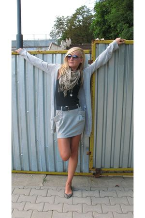 gray Stradivarius cardigan - black River Island top - gray Bershka skirt