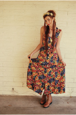 90s grunge maxi Rampage dress - Laredo boots - Kitten Paws hat