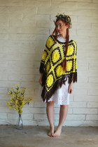 yellow fringe vintage cape - white vintage dress
